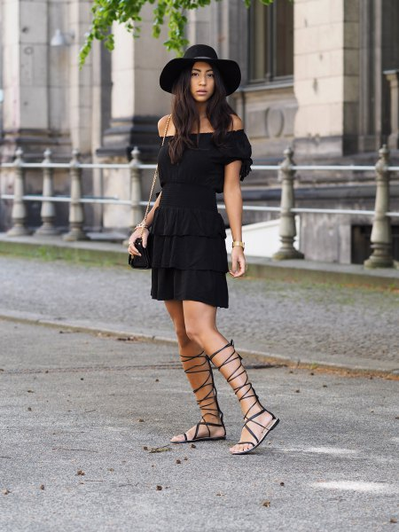black felt hat strappy flip flops