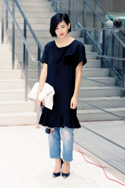 black tunic dress mom jeans