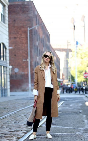 brown long trench coat white shirt black jeans