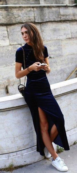 dark blue maxi dress white sneakers