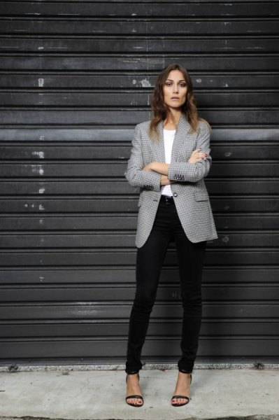 grey patterned blazer white top black skinny pants