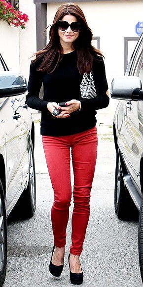 red skinny jeans black slim fit sweater