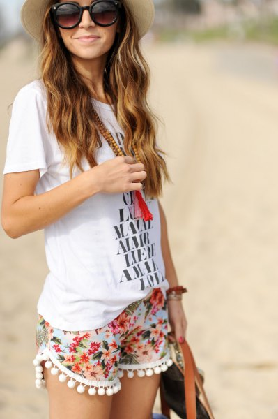 white print t shirt tassel shorts