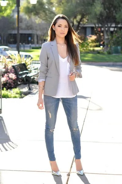 white v neck tee ripped skinny jeans