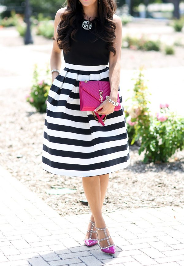 f667a4f404 15 Best Black and White Striped Skirt Outfit Ideas - FMag.com