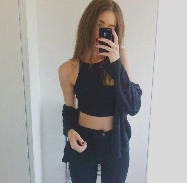 black crop top cardigan skinny jeans