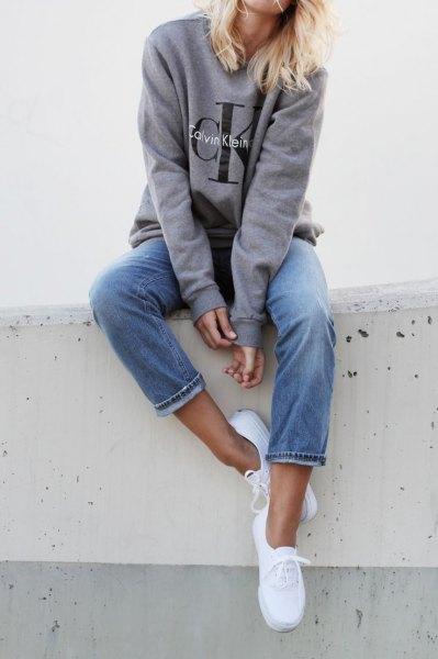 grey crew neck sweatshirt jeans sneakers