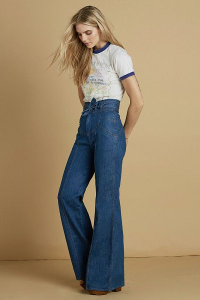 mini print tee high waisted bell bottom jeans