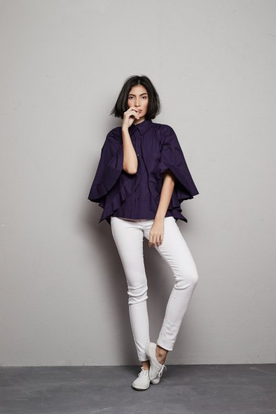 navy batwing shirt white skinny jeans