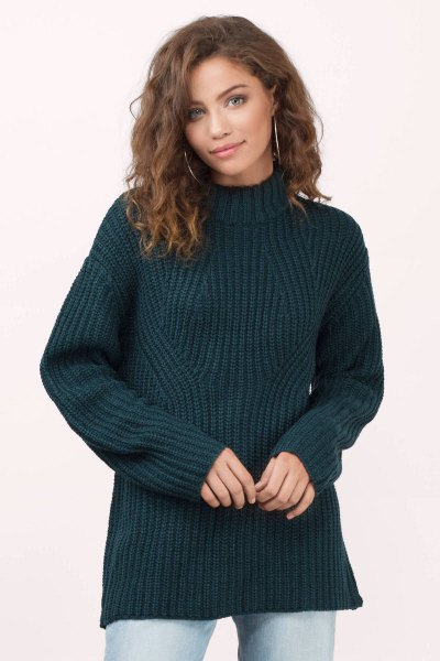 navy chunky knit sweater mom jeans