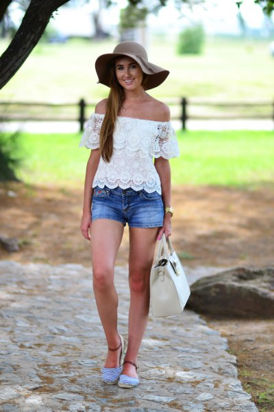 af20b3cd3bc off shoulder top floppy hat source. Here is a perfect outfit ...