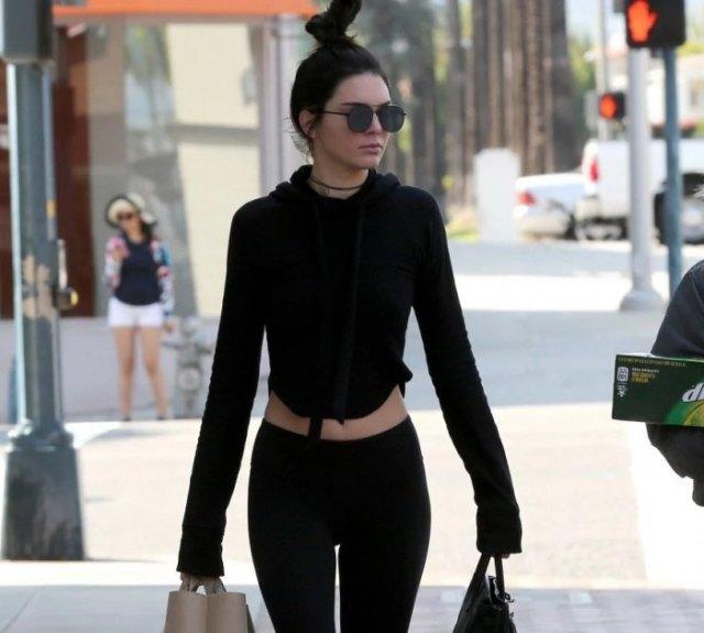 slim fit cropped hoodie black jogger pants