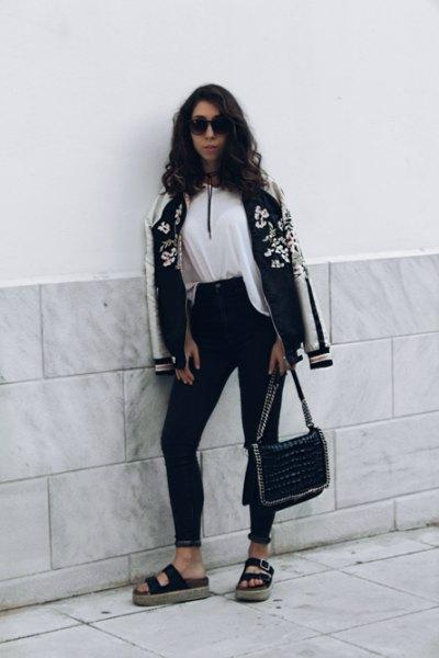 white blouse black skinny jeans