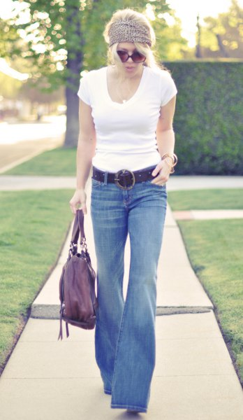 white form fitting t shirt jeans