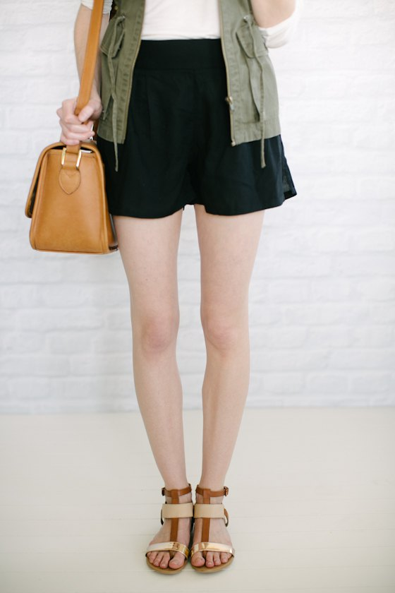 de5eb6f1e How to Style Flowy Shorts: Best 15 Outfit Ideas - FMag.com