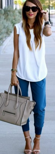 blue cropped jogger pants outfit
