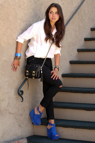 blue suede open toe heels white shirt black ripped jeans