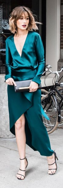 What color shoes with teal blue dress