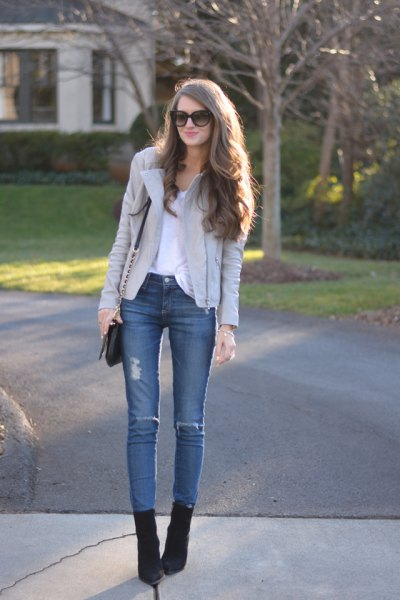 light grey leather jacket blue skinny jeans