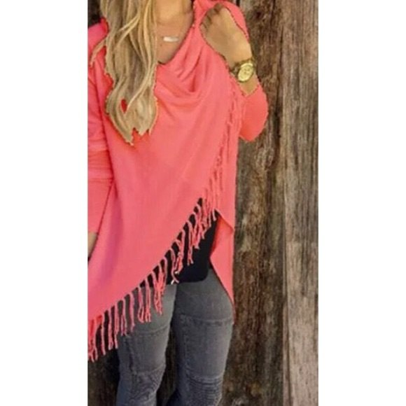 neon pink fringe wrap grey skinny jeans