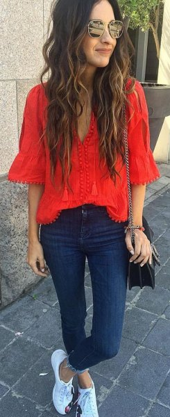red lace half sleeve blouse skinny jeans sneakers