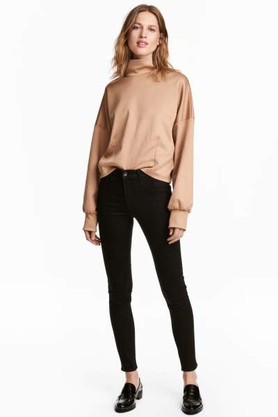 rose gold turtleneck sweatshirt black skinny ankle boots