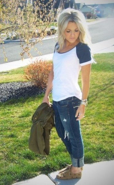 short sleeve baseball t shirt cuffed grey jeans