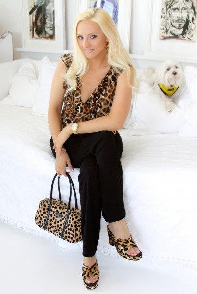 sleeveless deep v neck leopard print blouse matching sandals
