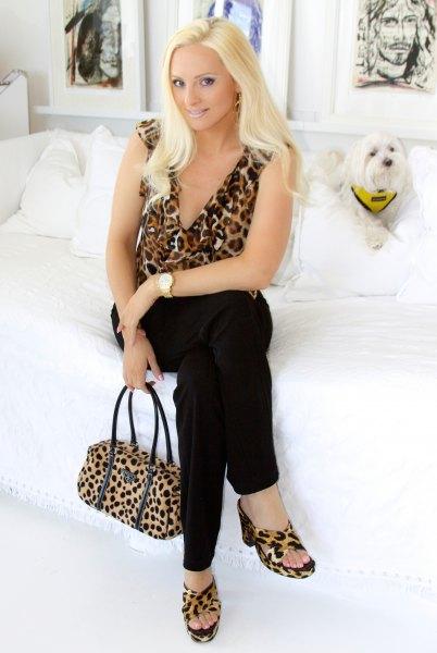 sleeveless deep v neck leopard print blouse matching sandals