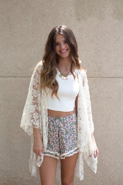 white kimono crop top pink floral shorts
