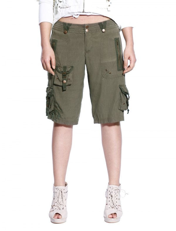 best long cargo shorts outfit ideas