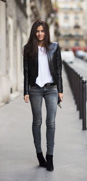 black blazer with grey skinny jeans and suede ankle boots