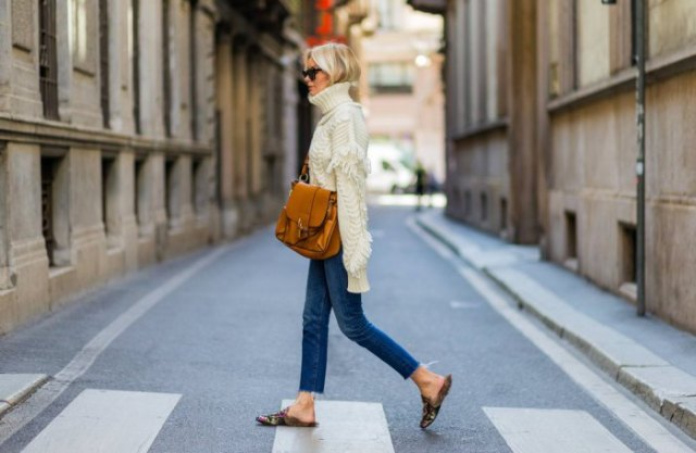 blush pink turtleneck cable knit sweater skinny jeans brown embroidered loafers