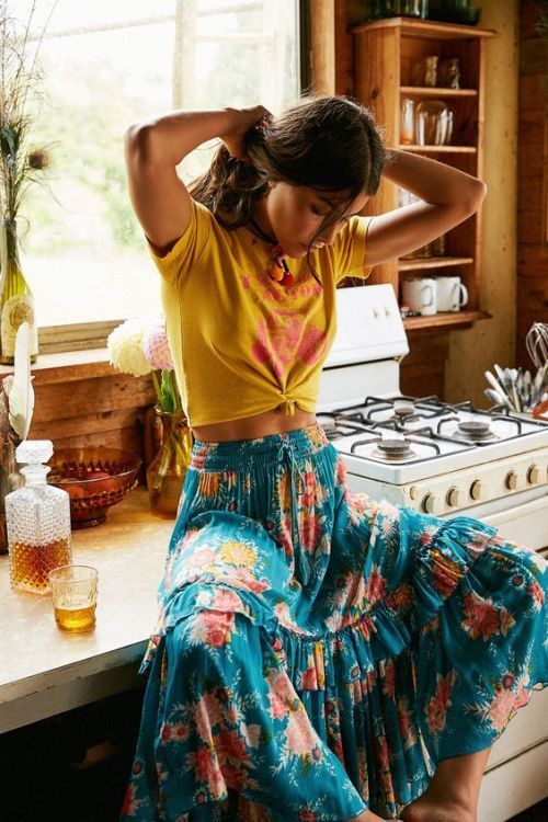 9e4b971c67 Broomstick Skirt: 12 Outfit Ideas You will Love to Wear - FMag.com