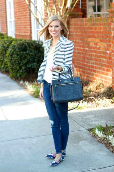 striped blazer white tee dark blue skinny jeans