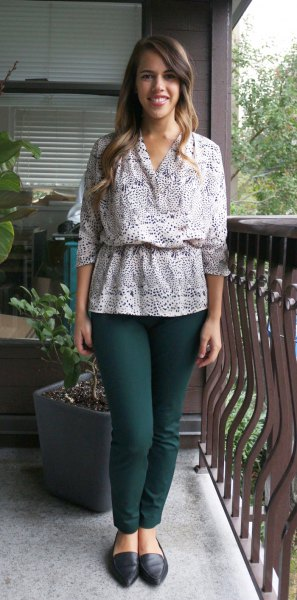 white gathered waist top with black skinny jeans