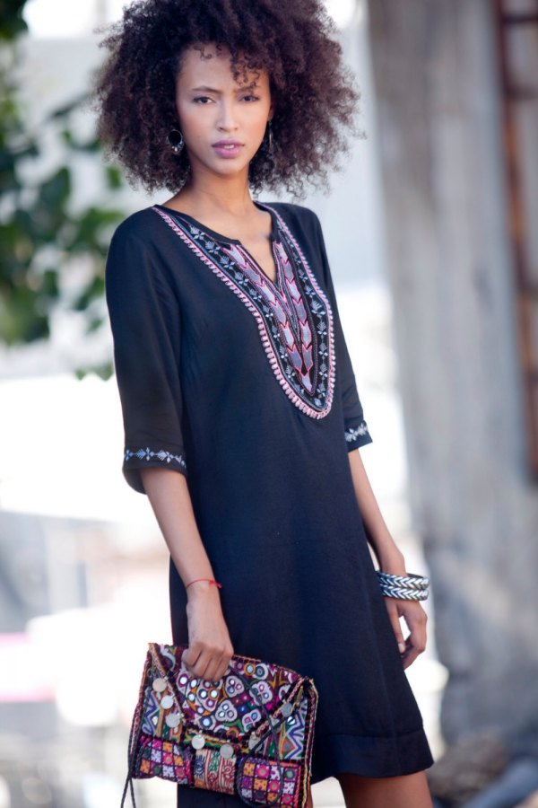 b7113e724be9 How to Wear Black Tunic Dress  Low-Profile Yet Beautiful Outfits ...