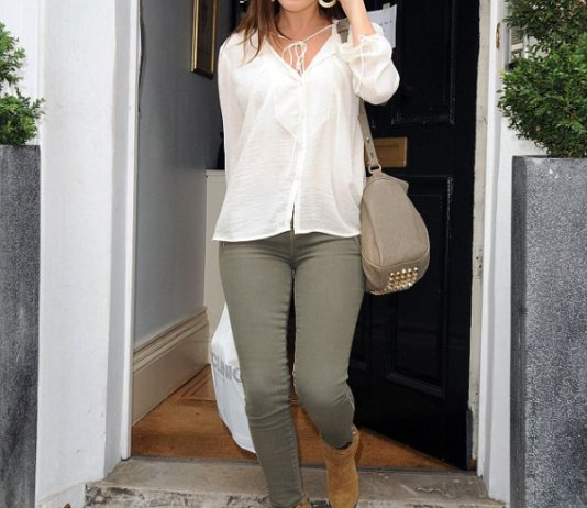 How to Wear Olive Green Jeans  15 Refreshing   Stylish Outfits for Ladies 4eea51c19