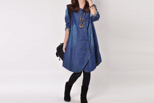 denim knee length tunic with leggings and boho necklace