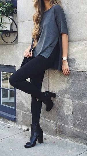 grey oversized t shirt with black skinny jeans and short boots