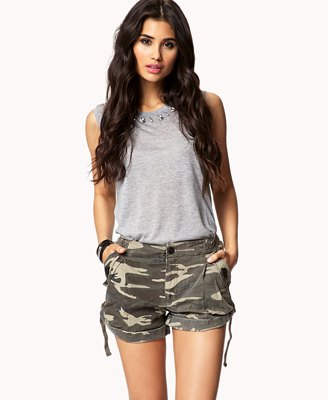 grey sleeveless cotton top with camo mini shorts