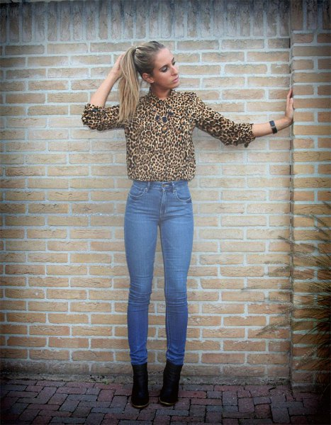 leopard print button up shirt with blue high waisted skinny jeans
