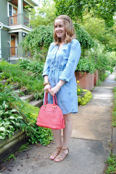 light blue mini chambray dress with pink leather purse