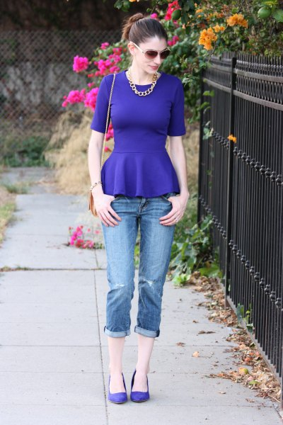 royal blue peplum blouse with cuffed skinny jeans