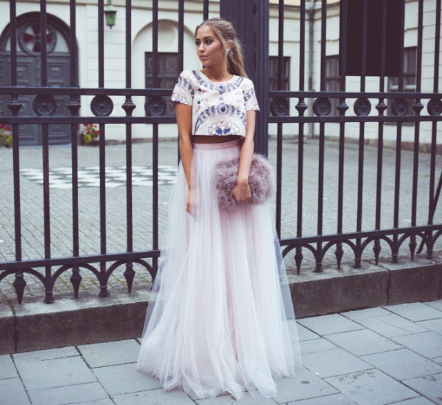 white and blue printed cropped t shirt with flowy tulle skirt