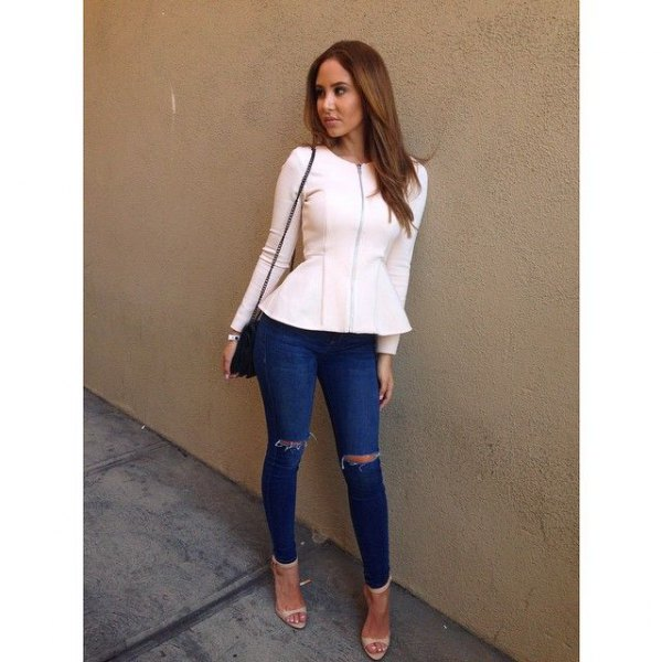 white blazer with blue jeans and pink open toe heels