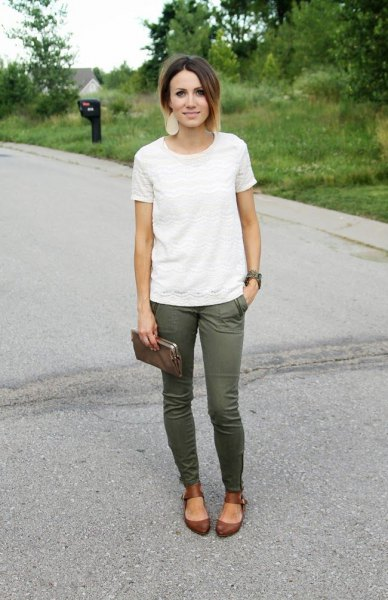 white lace t shirt with green skinny jeans