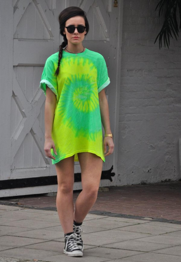 e59d2614e7dc How to Wear Yellow T Shirt Dress: 15 Cheerful Outfit Ideas - FMag.com