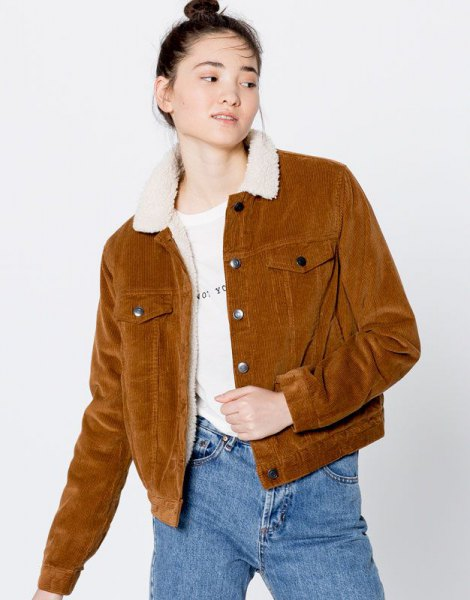 brown faux fur collar corduroy blazer with mom jeans