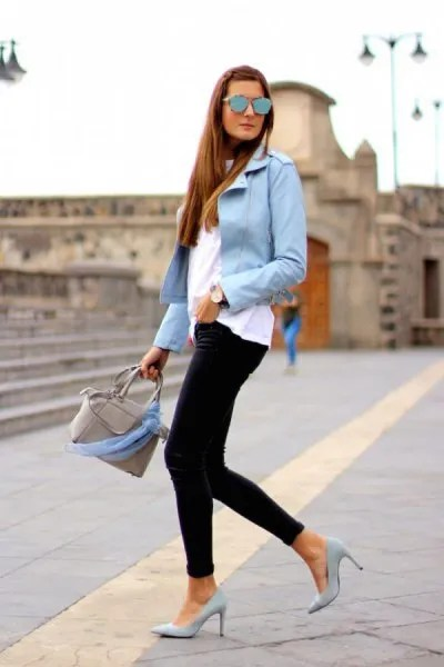 light blue blazer with white tee and black skinny jeans
